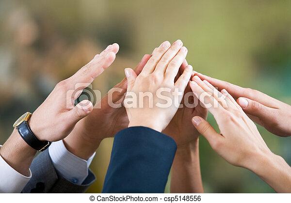 Amistad y apoyo - csp5148556