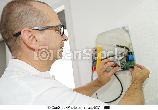appartement, électricien, installs, ouvrier, sortie électrique - csp52711696