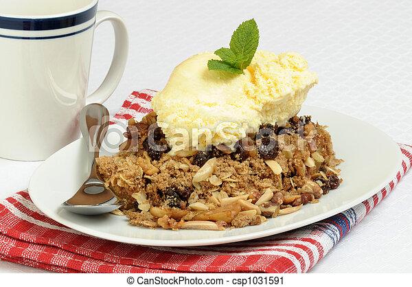 Apple Crisp and Ice Cream - csp1031591
