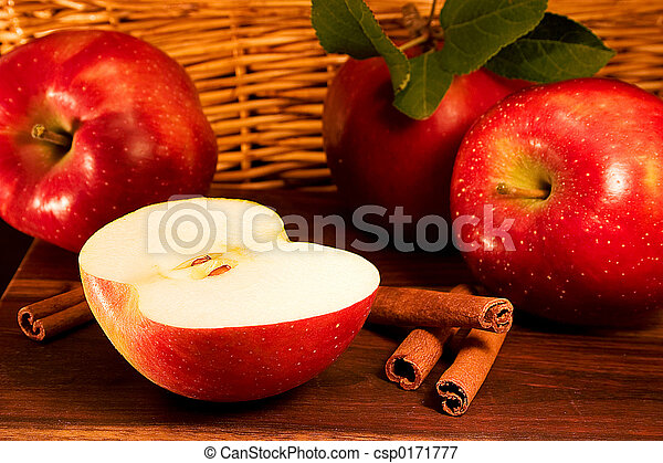 Apples, cinnamon - csp0171777