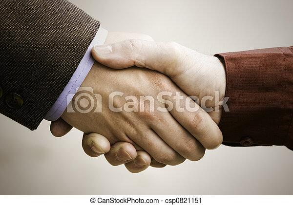 Un apretón de manos - csp0821151