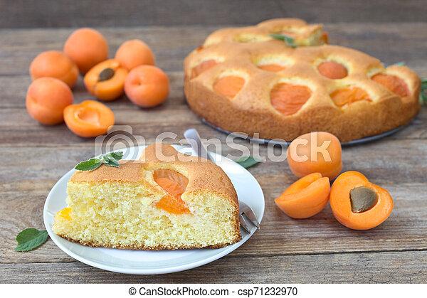 Apricot cake - csp71232970