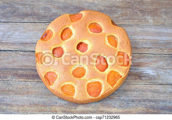 Apricot cake - csp71232965