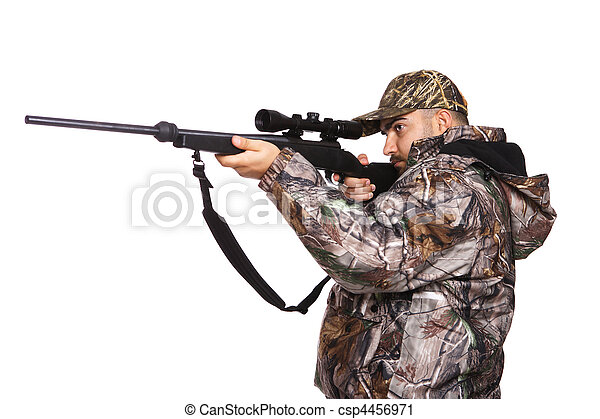 Hunter apuntando un rifle - csp4456971