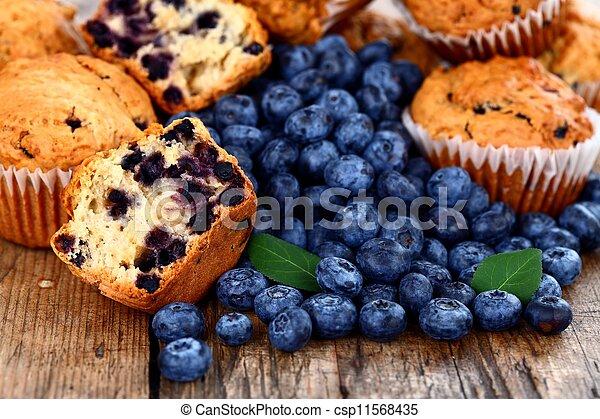 Muffins con arándanos - csp11568435