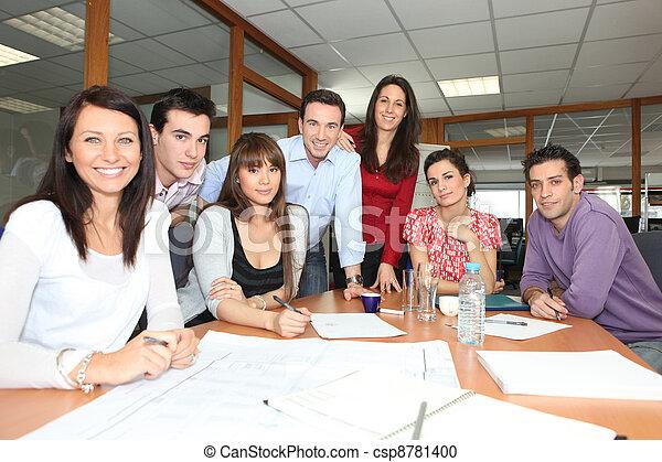 arbeiter, versammlung, buero - csp8781400