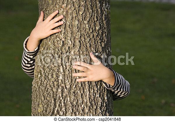 arbre, huging - csp2041848