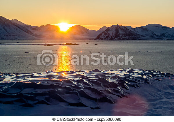 Arctic views in south Spitsbergen. - csp35060098