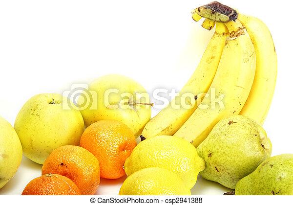 Arranged fruits - csp2941388