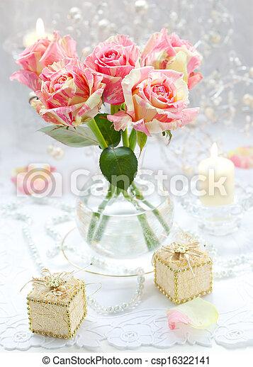 Arreglo de rosas rosas rosas - csp16322141