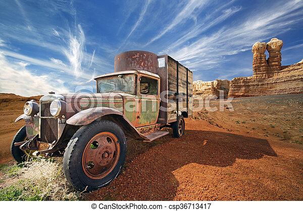arrugginito, abbandonato, camion, disertare paesaggio, roccioso - csp36713417