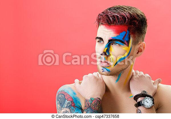 arte, colorido, experiência., fashion., maquilagem, jovem, rosto, fantasia, retrato, profissional, pintura, vermelho, homem - csp47337658