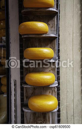 Artisan edam cheese - csp61609500
