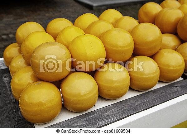 Artisan edam cheese - csp61609504