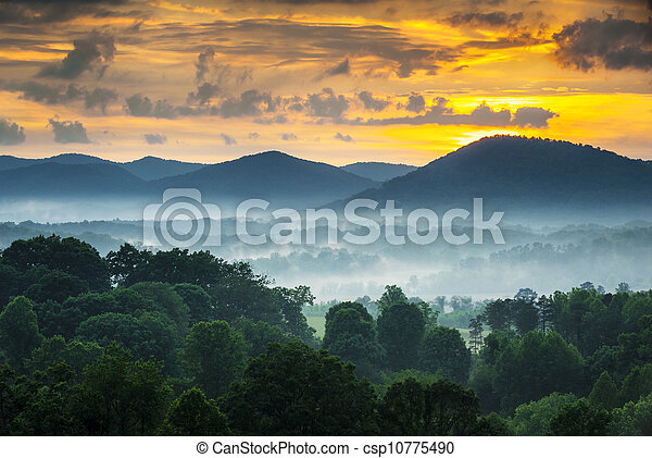 Asheville NC Blue Ridge Mountains Sunset and Fog Landscape Photography near the Blue Ridge Parkway in Western North Carolina - csp10775490
