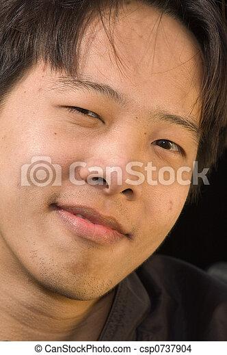 asian, młody mężczyzna - csp0737904