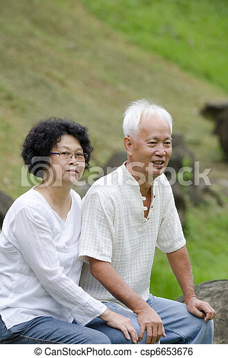 asian senior couple - csp6653676