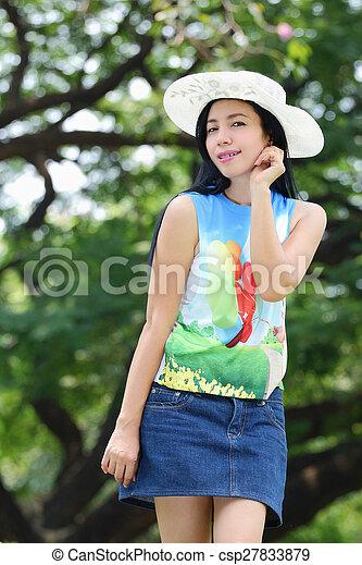 asian woman - csp27833879
