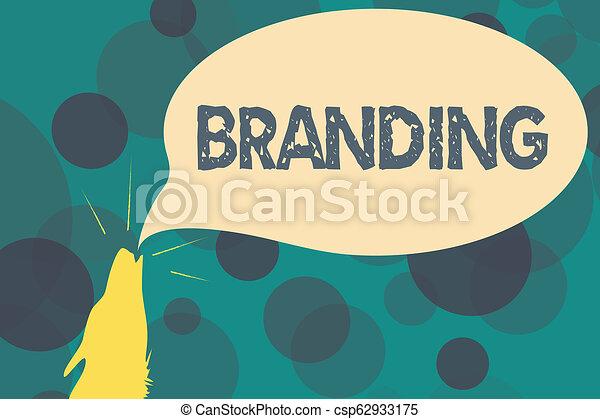 Señal de texto mostrando marca. Fotografía Conceptual nombre de marca de marca a algo estrategia de marketing de negocios - csp62933175