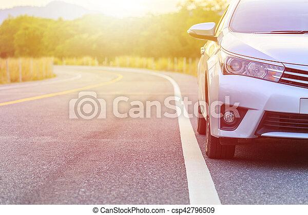 asphalt, auto, parken, front, neu , silber, straße - csp42796509