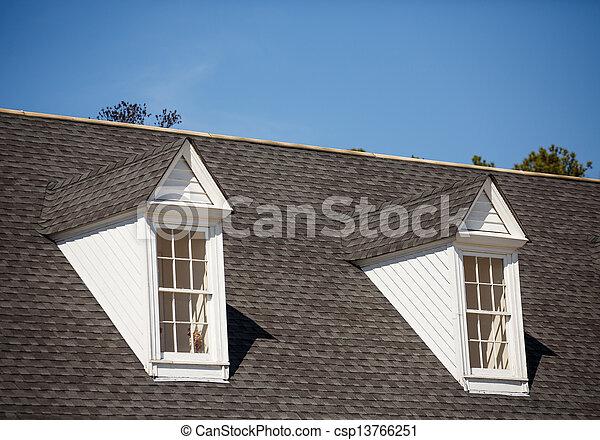 Assicella di copertura grigio tetto due dormers for Gettare piani dormer