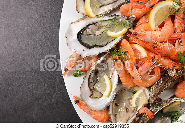 assorted fresh seafood platter - csp52919355