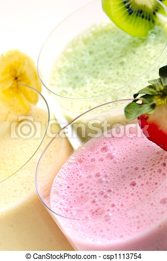 Assorted fruit smoothies - csp1113754