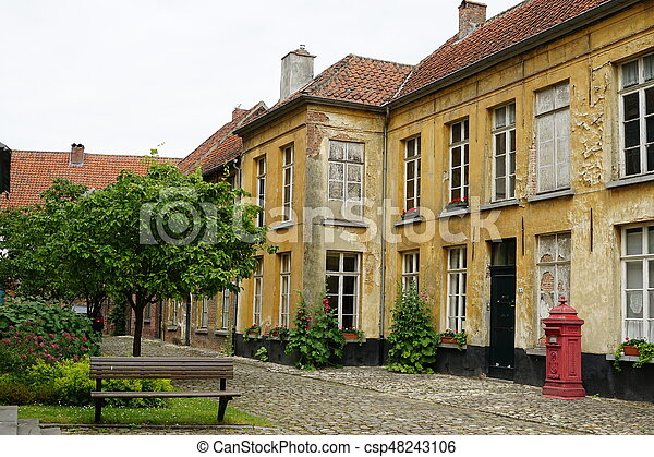 At the beguinage - csp48243106
