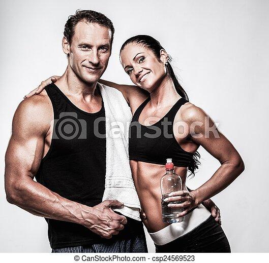 athlétique, couple, après, exercice, fitness - csp24569523