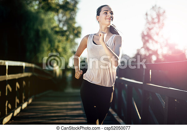 athletische, jogging, frau, draußen - csp52050077