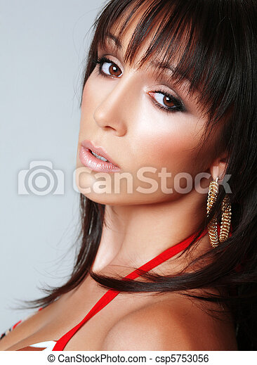 Atractive brunette, portrait 3 - csp5753056
