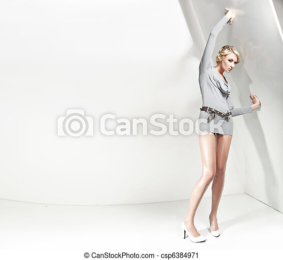 Attractive blond beauty, plenty of copy-space - csp6384971