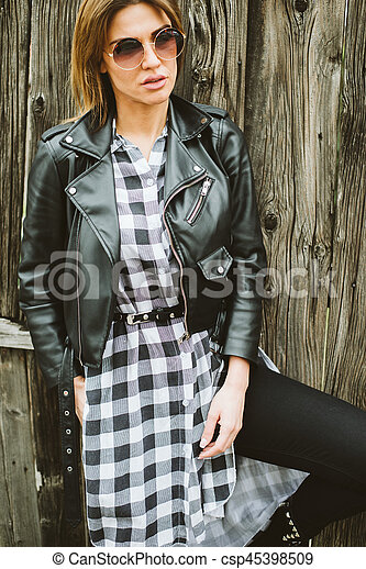 Attractive young woman with sunglasses - csp45398509
