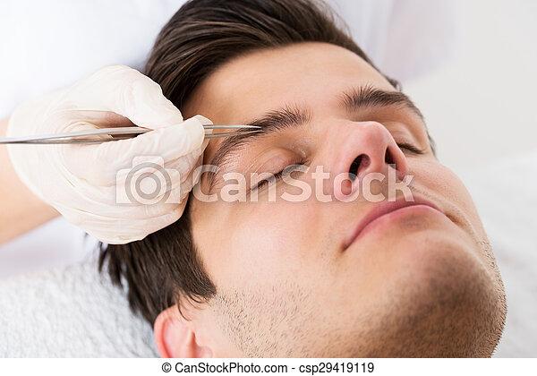 Augenbrauen beim mann