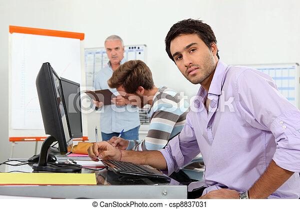 aula, serio, tirocinante, seduta - csp8837031
