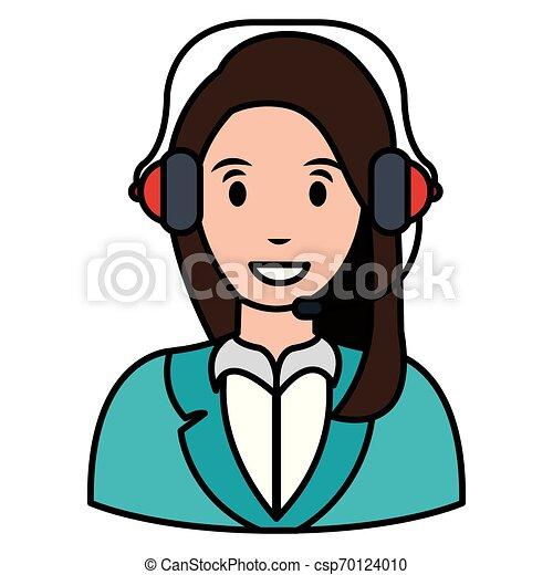 Llama a la mujer del centro con audífono - csp70124010