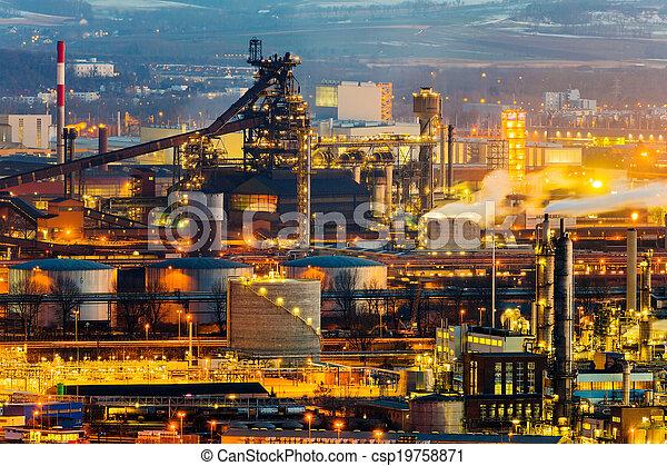 Austria, Linz, zona industrial - csp19758871