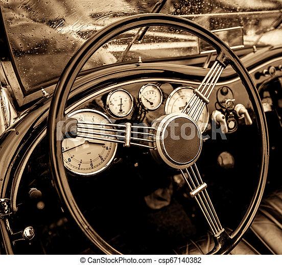 autó, öreg - csp67140382