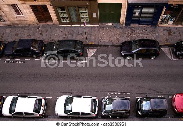autók, parkolt - csp3380951
