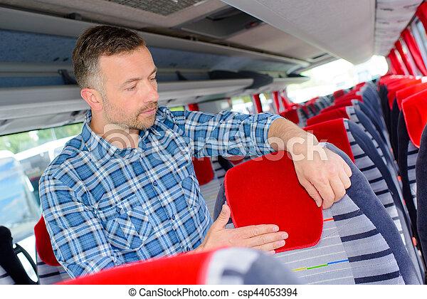 Preparando la cabina del autobús - csp44053394