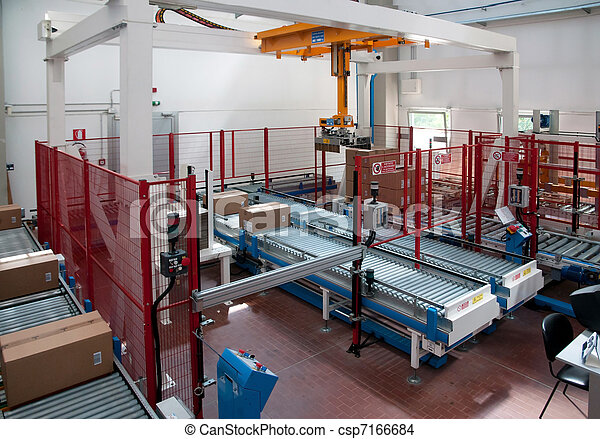 Automated warehouse with robots - csp7166684