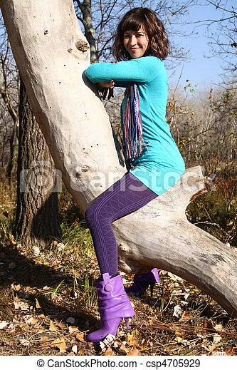 automne, arbre, girl, parc, pendre - csp4705929