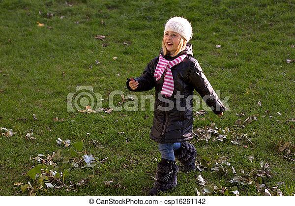 automne, bébé, marche, girl - csp16261142