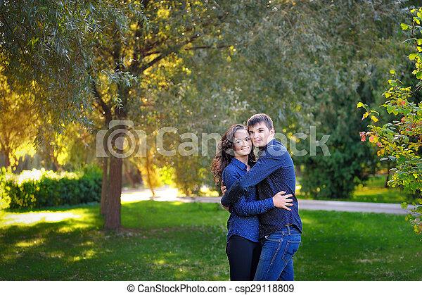 automne, couple, parc, aimer - csp29118809