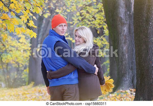 automne, couple, parc, aimer - csp15660311