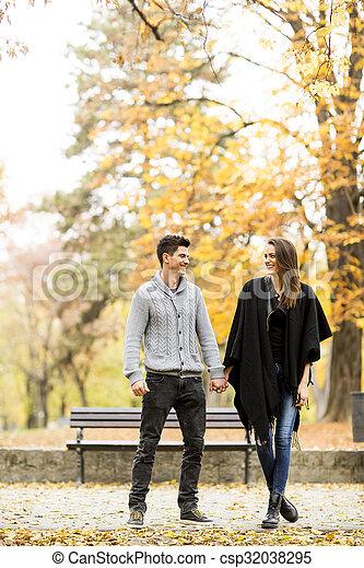 automne, couple, parc, aimer - csp32038295