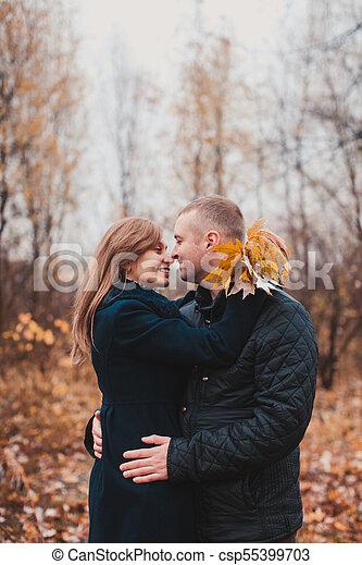 automne, couple, parc, heureux - csp55399703