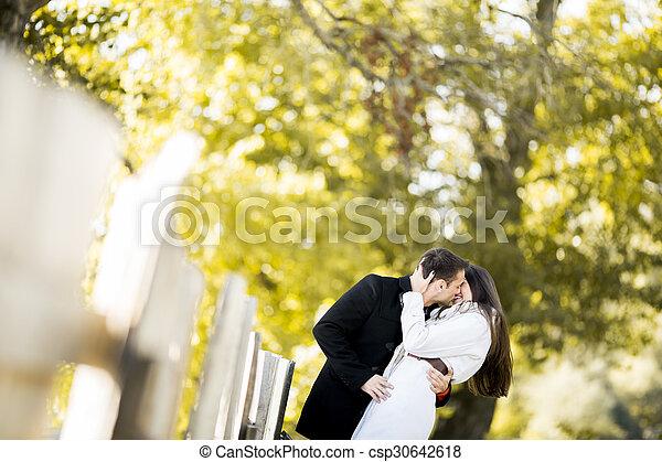 automne, couple, parc, jeune - csp30642618