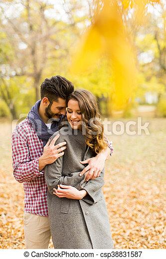 automne, couple, parc, jeune - csp38831587