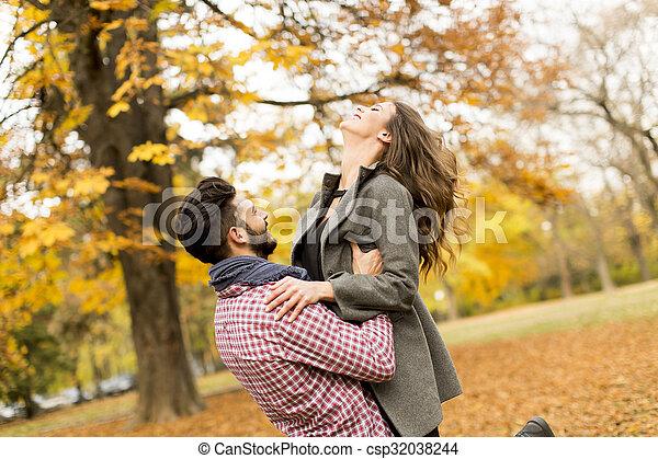 automne, couple, parc, jeune - csp32038244